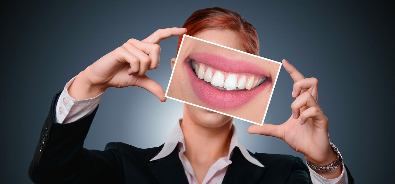 Was ist der Unterschied zwischen Zahnimplantaten und Kronen?
